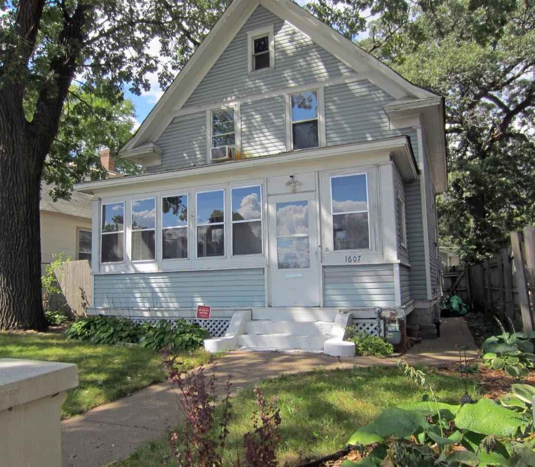 View 17 photos of this 3 bed, 1 bath, and 1,186 sqft. single_family home located at 1607 7th St W, Saint Paul, Minnesota 55102 is Active for $269,900.
