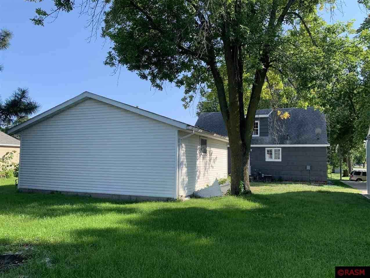 View 21 photos of this 4 bed, 2 bath, and 2,020 sqft. single_family home located at 51 S 7th Ave, Saint James, Minnesota 56081 is Pending for $79,900.