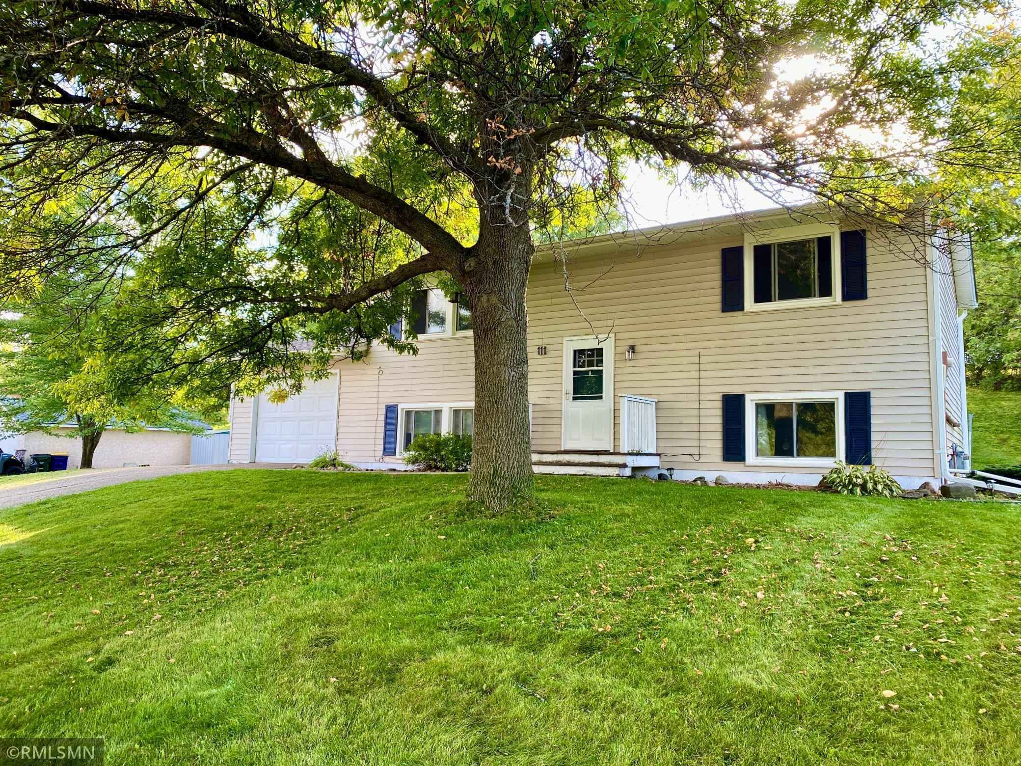 View 25 photos of this 4 bed, 2 bath, and 1,564 sqft. single_family home located at 111 7th Ave NW, Lonsdale, Minnesota 55046 is Active for $249,900.