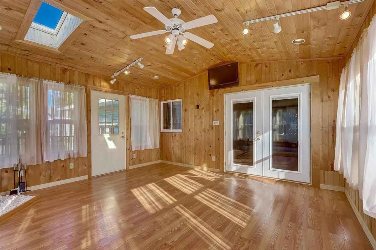 View 44 photos of this 4 bed, 2 bath, and 2,556 sqft. single_family home located at 700 115th Ave NE, Blaine, Minnesota 55434 is Active for $334,900.