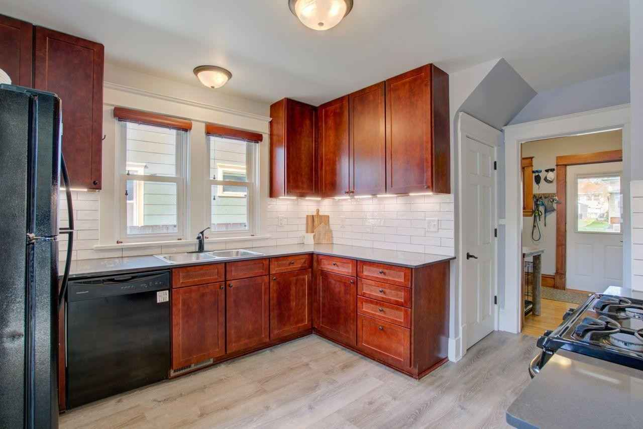 View 22 photos of this 2 bed, 1 bath, and 1,062 sqft. single_family home located at 870 Edmund Ave, Saint Paul, Minnesota 55104 is Active for $240,000.