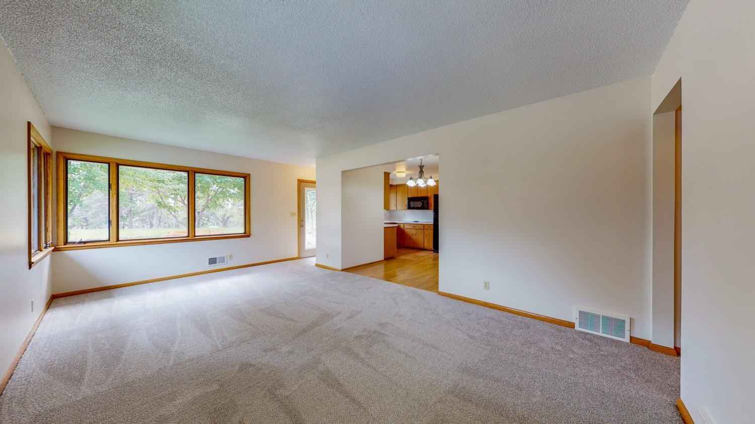 View 34 photos of this 3 bed, 2 bath, and 1,578 sqft. single_family home located at 1913 22nd St NW, Rochester, Minnesota 55901 is Active for $215,000.