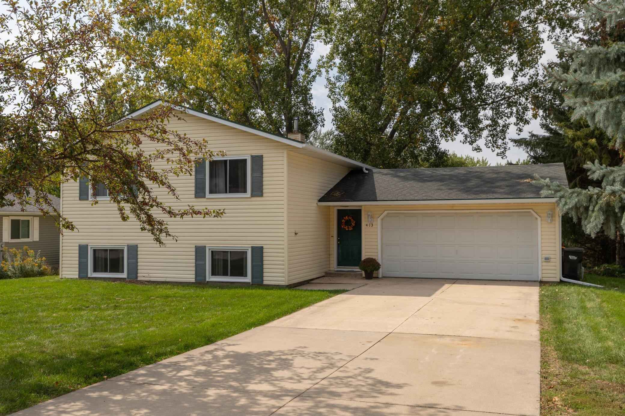 View 24 photos of this 4 bed, 2 bath, and 1,838 sqft. single_family home located at 413 11th Ave NW, Byron, Minnesota 55920 is Active for $274,900.