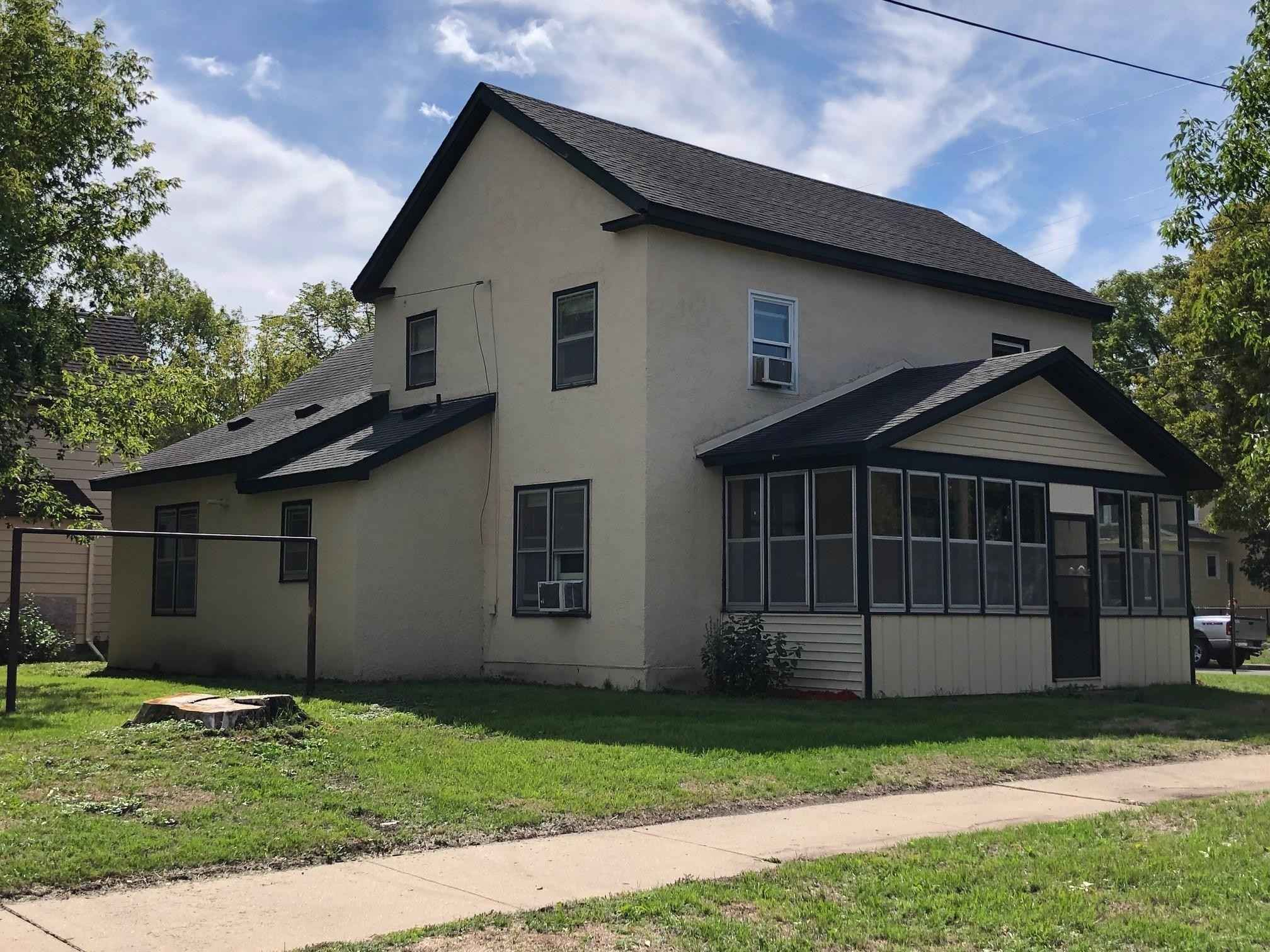 View 25 photos of this 4 bed, 2 bath, and 1,994 sqft. single_family home located at 1220 2nd St N, Saint Cloud, Minnesota 56303 is Active for $120,000.