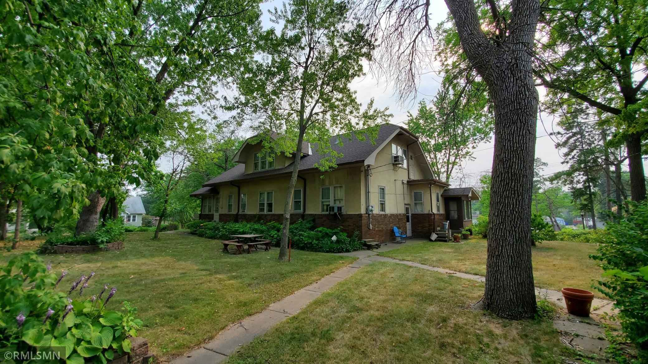 View 40 photos of this 5 bed, 3 bath, and 2,984 sqft. single_family home located at 1243 4th St E, Saint Paul, Minnesota 55106 is Active for $369,900.