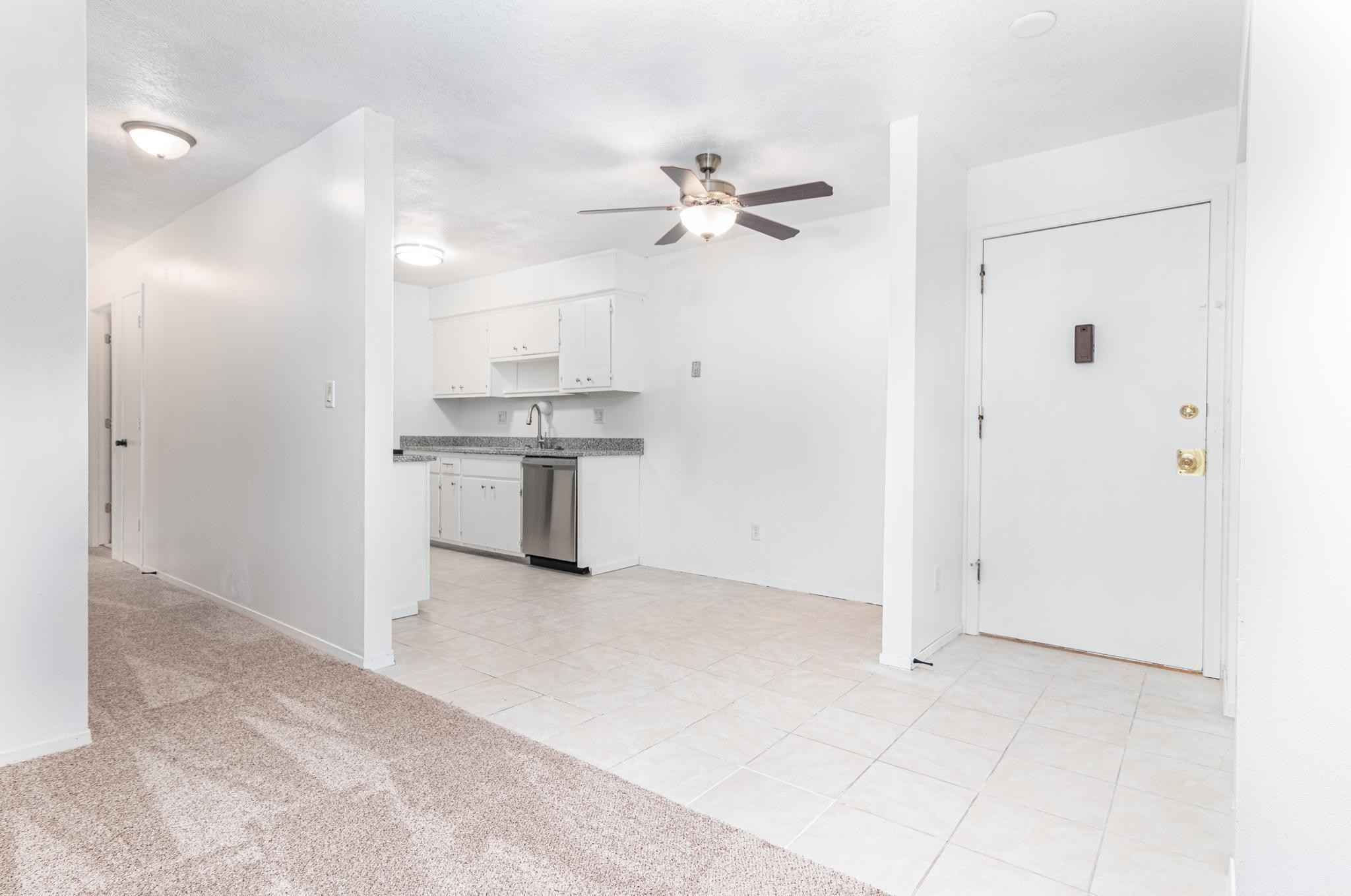 View 29 photos of this 2 bed, 2 bath, and 1,050 sqft. condo home located at 2710 Dale St N Unit B110, Roseville, Minnesota 55113 is Active for $155,000.