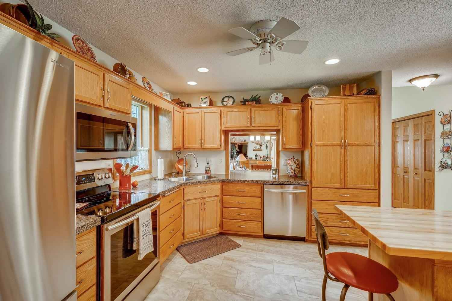 View 27 photos of this 2 bed, 2 bath, and 1,519 sqft. condo home located at 501 4th St, Farmington, Minnesota 55024 is Active for $264,900.