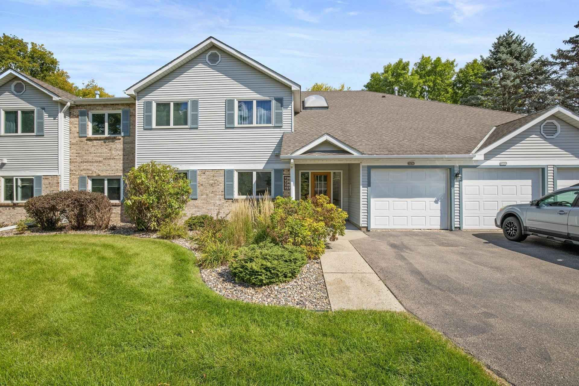 View 17 photos of this 2 bed, 2 bath, and 880 sqft. condo home located at 7270 Hunters Run, Eden Prairie, Minnesota 55346 is Active for $189,900.