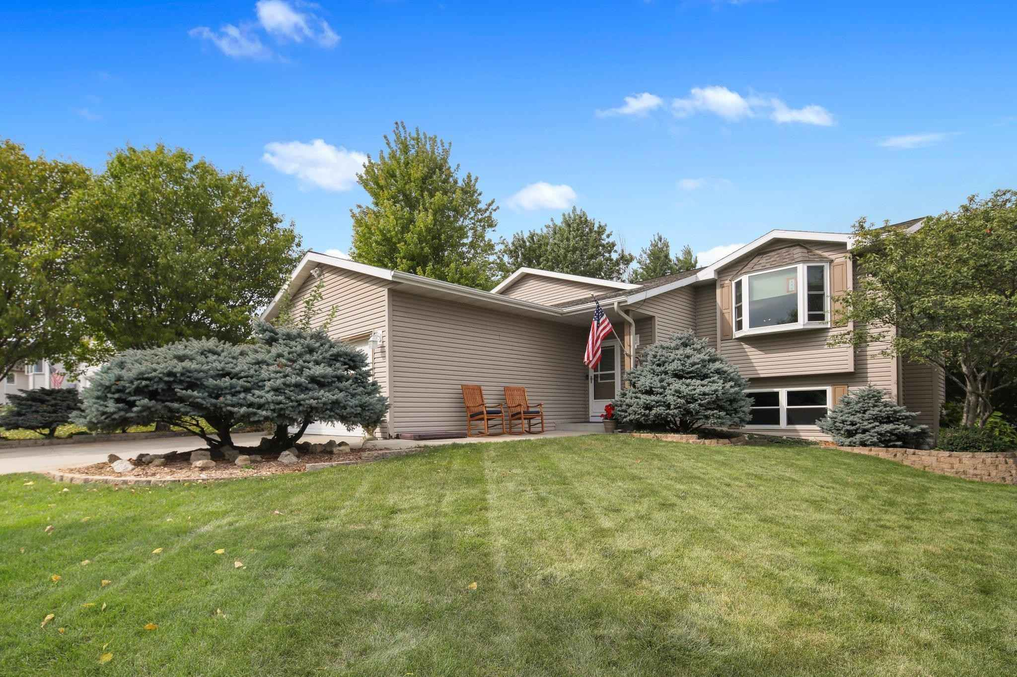 View 34 photos of this 4 bed, 2 bath, and 2,475 sqft. single_family home located at 4415 6th St NW, Rochester, Minnesota 55901 is Active for $389,900.