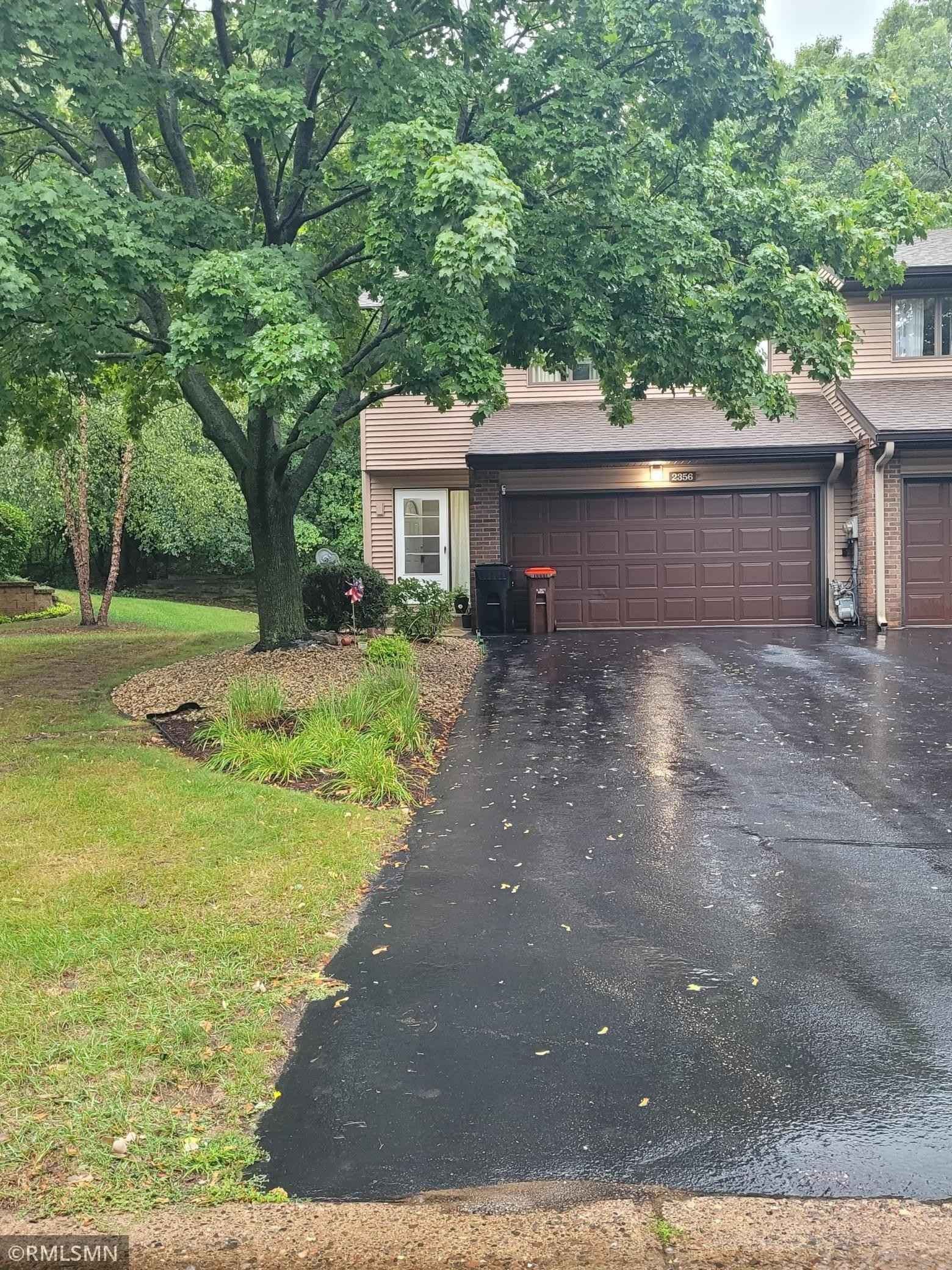 View 2 photos of this 3 bed, 2 bath, and 1,379 sqft. condo home located at 2356 Springside Dr E, Maplewood, Minnesota 55119 is Active for $235,000.