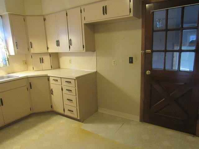 View 9 photos of this 3 bed, 1 bath, and 1,160 sqft. single_family home located at 323 8th St, Brewster, Minnesota 56119 is Active for $89,900.