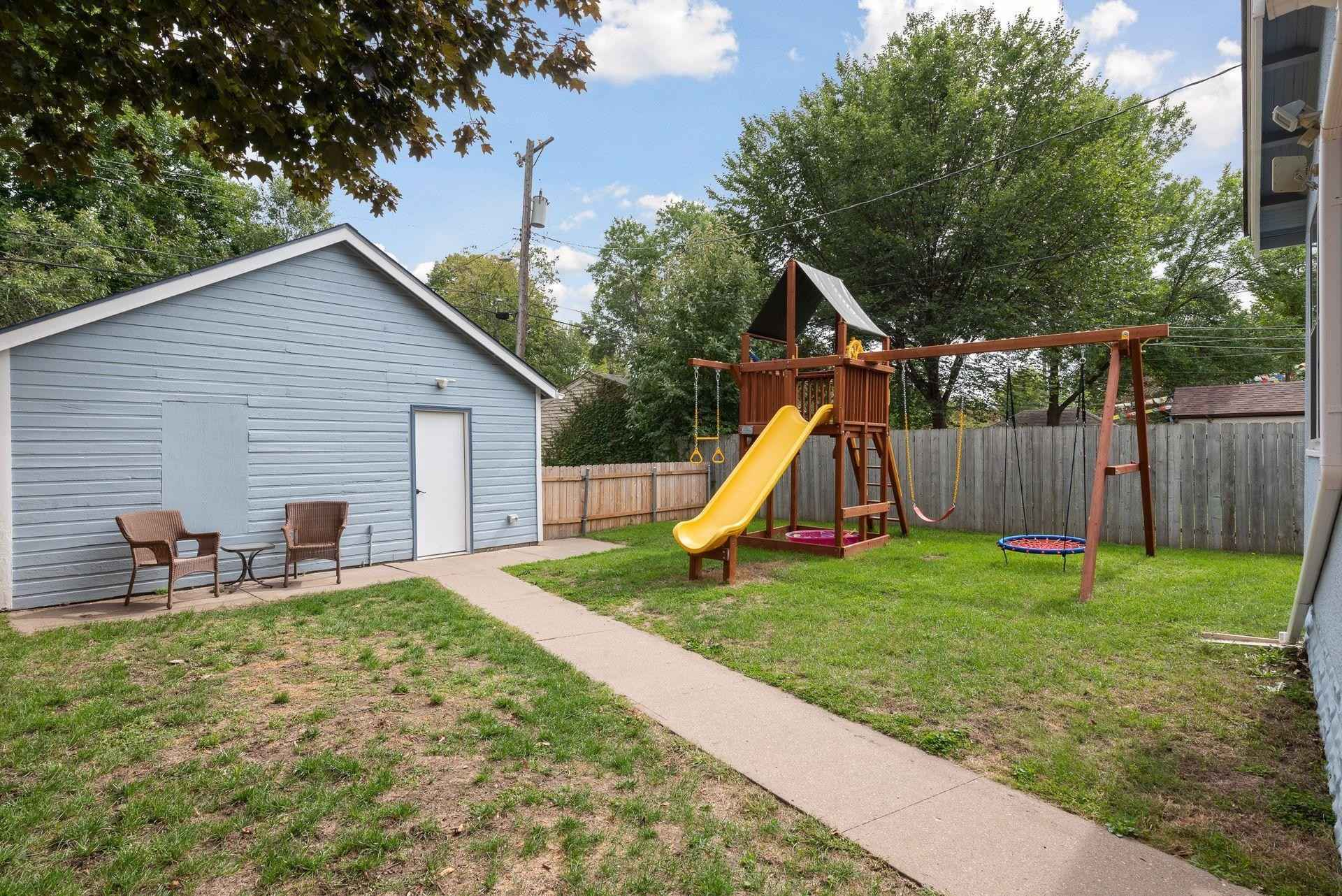 View 22 photos of this 3 bed, 2 bath, and 1,096 sqft. single_family home located at 4322 Sheridan Ave N, Minneapolis, Minnesota 55412 is Active for $229,900.