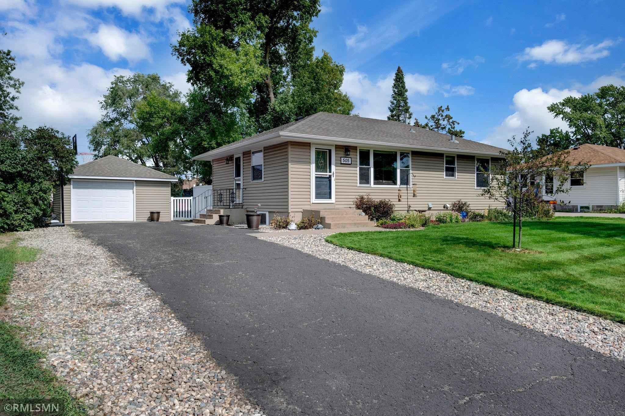 View 22 photos of this 4 bed, 2 bath, and 1,972 sqft. single_family home located at 505 113th Ave NW, Coon Rapids, Minnesota 55448 is Active for $285,000.
