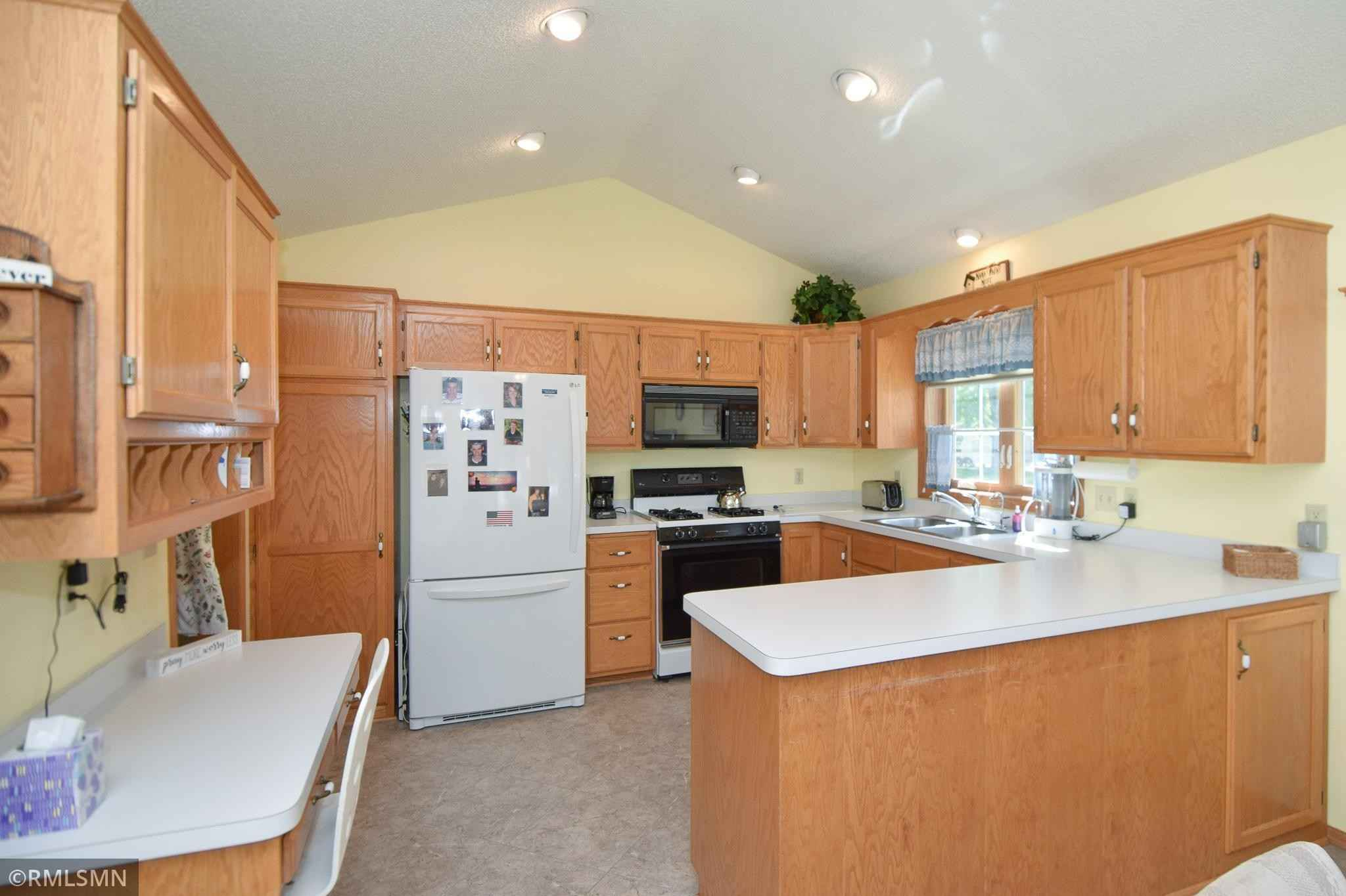 View 25 photos of this 2 bed, 2 bath, and 1,642 sqft. condo home located at 2402 Wight Bay, Brooklyn Park, Minnesota 55443 is Pending for $325,000.