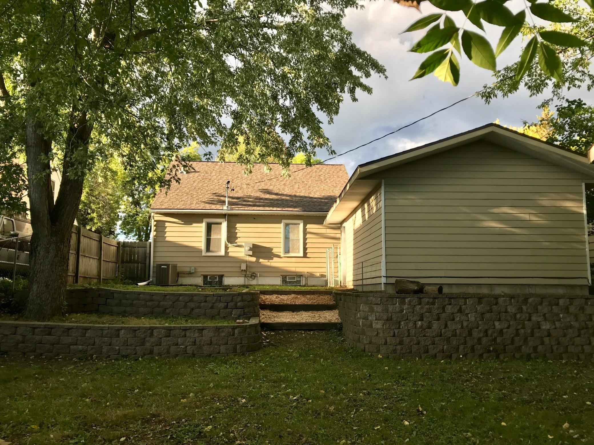 View 17 photos of this 3 bed, 1 bath, and 1,050 sqft. single_family home located at 268 Butler Ave E, West Saint Paul, Minnesota 55118 is Active for $225,000.