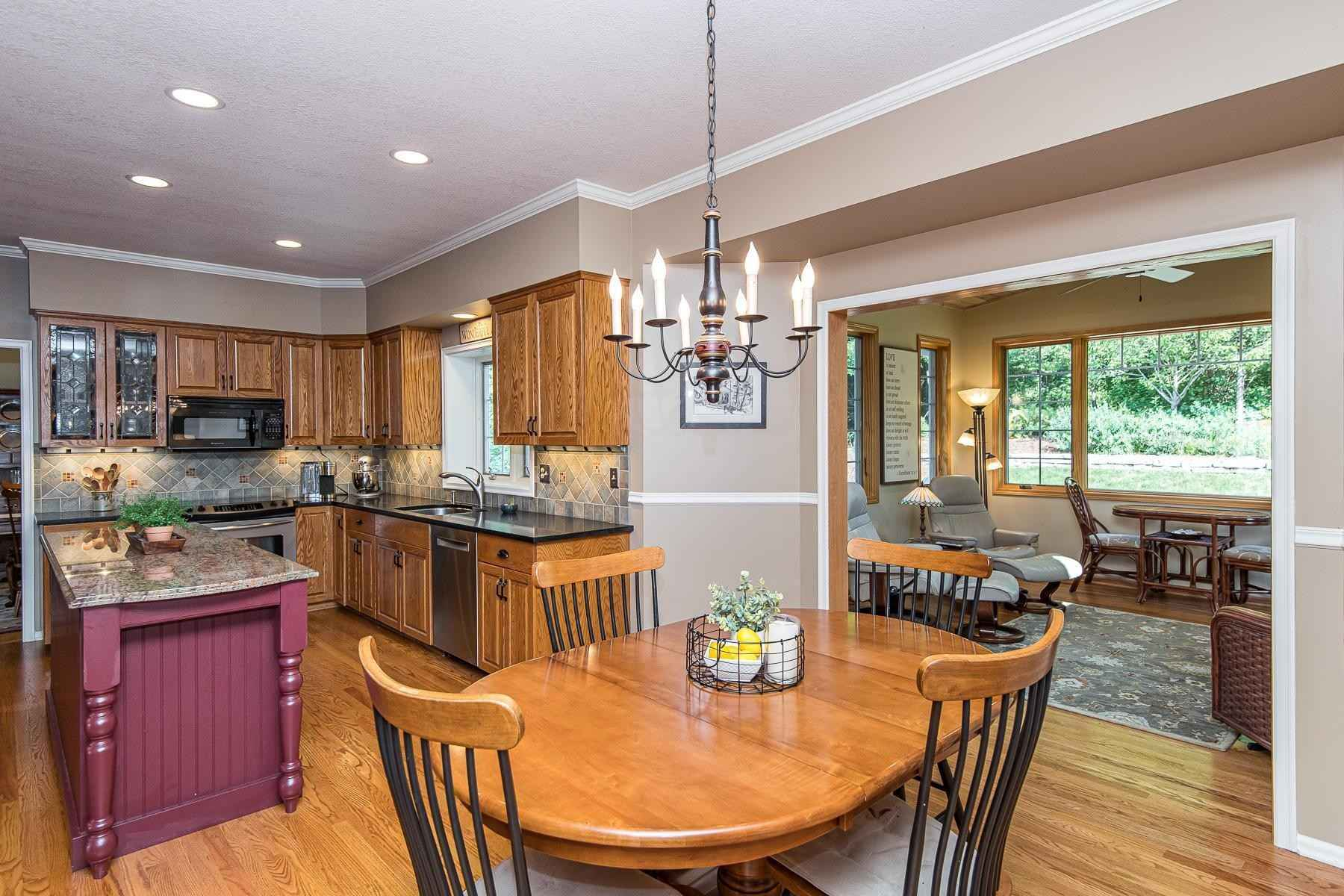 View 51 photos of this 4 bed, 3 bath, and 3,189 sqft. single_family home located at 2903 Stonegate Ct SW, Rochester, Minnesota 55902 is Active for $499,000.