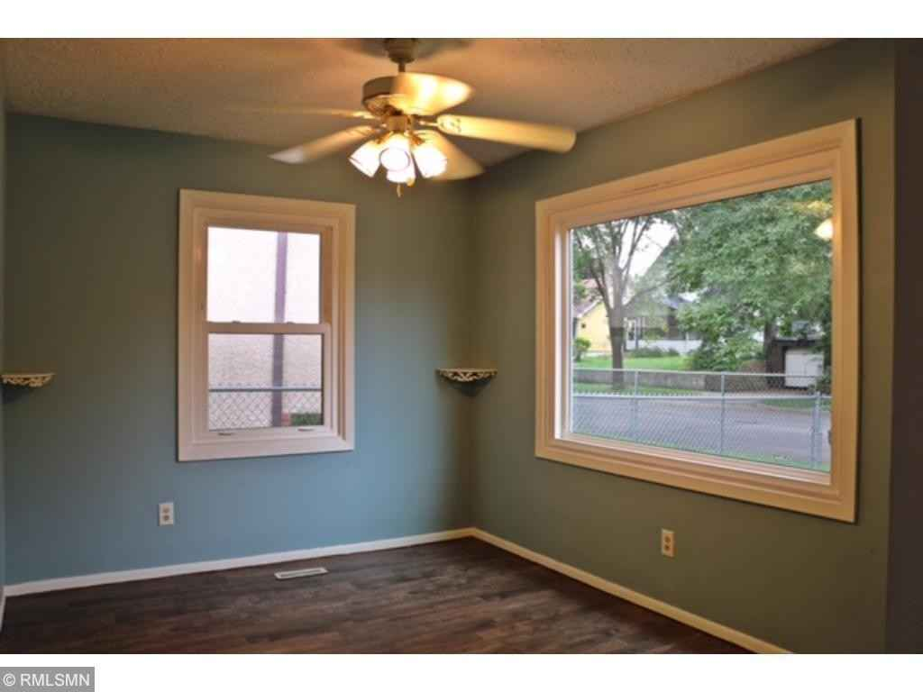 View 16 photos of this 2 bed, 2 bath, and 1,460 sqft. single_family home located at 1896 Ivy Ave E, Saint Paul, Minnesota 55119 is Active for $225,000.