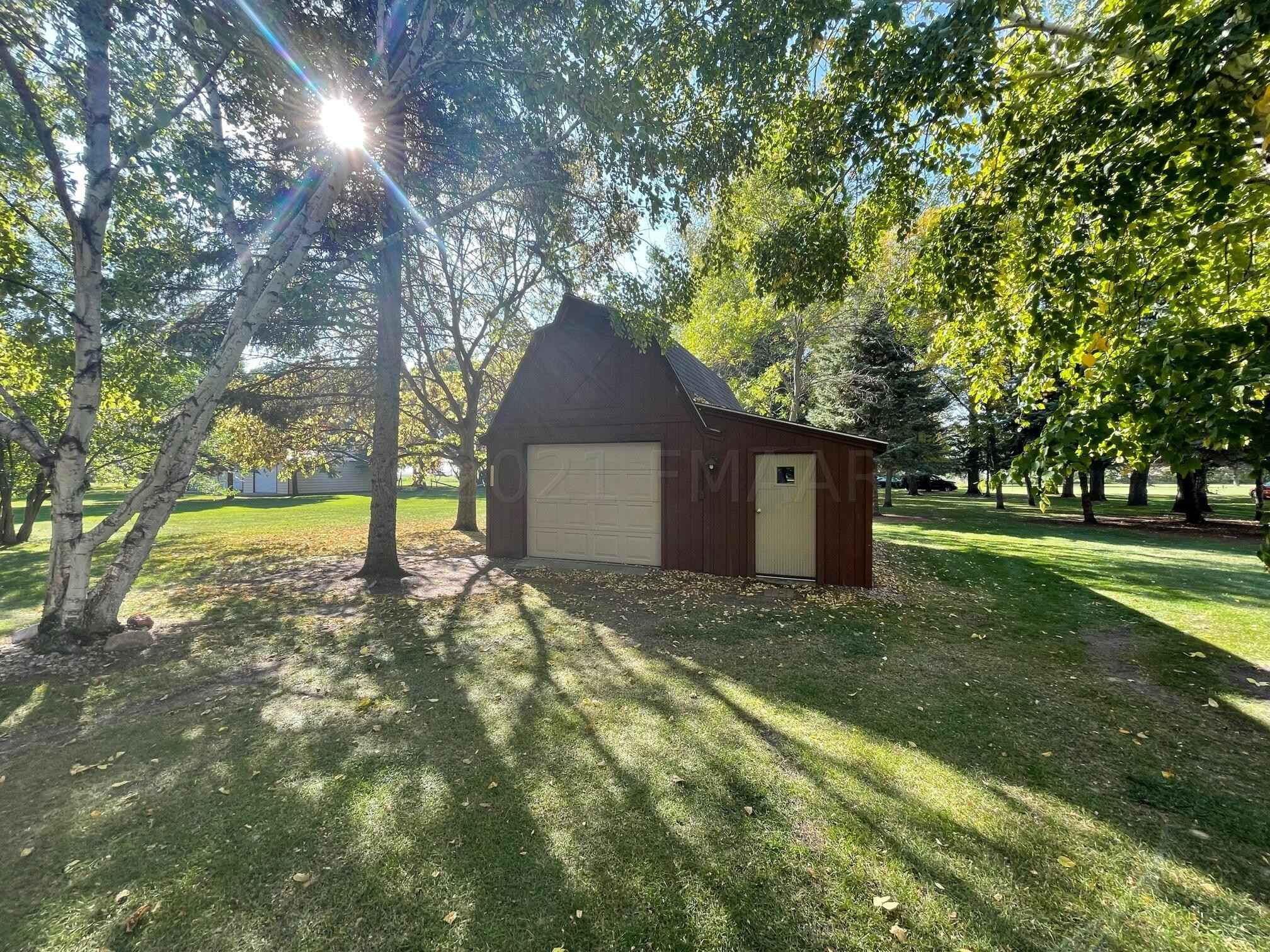 View 23 photos of this 4 bed, 3 bath, and 3,050 sqft. single_family home located at 715 Parke Ave S, Glyndon, Minnesota 56547 is Active for $349,900.