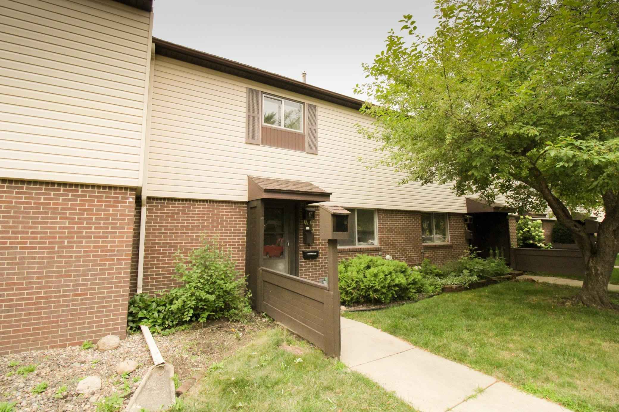 View 6 photos of this 2 bed, 2 bath, and 1,055 sqft. condo home located at 3947 18th Ave NW, Rochester, Minnesota 55901 is Active for $98,000.