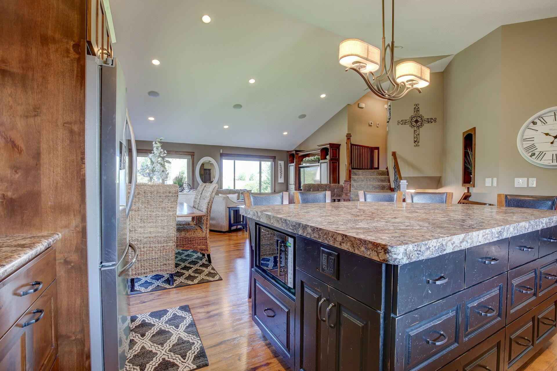 View 39 photos of this 4 bed, 4 bath, and 2,404 sqft. single_family home located at 1250 Osauka Rd NE, Sauk Rapids, Minnesota 56379 is Active for $449,900.