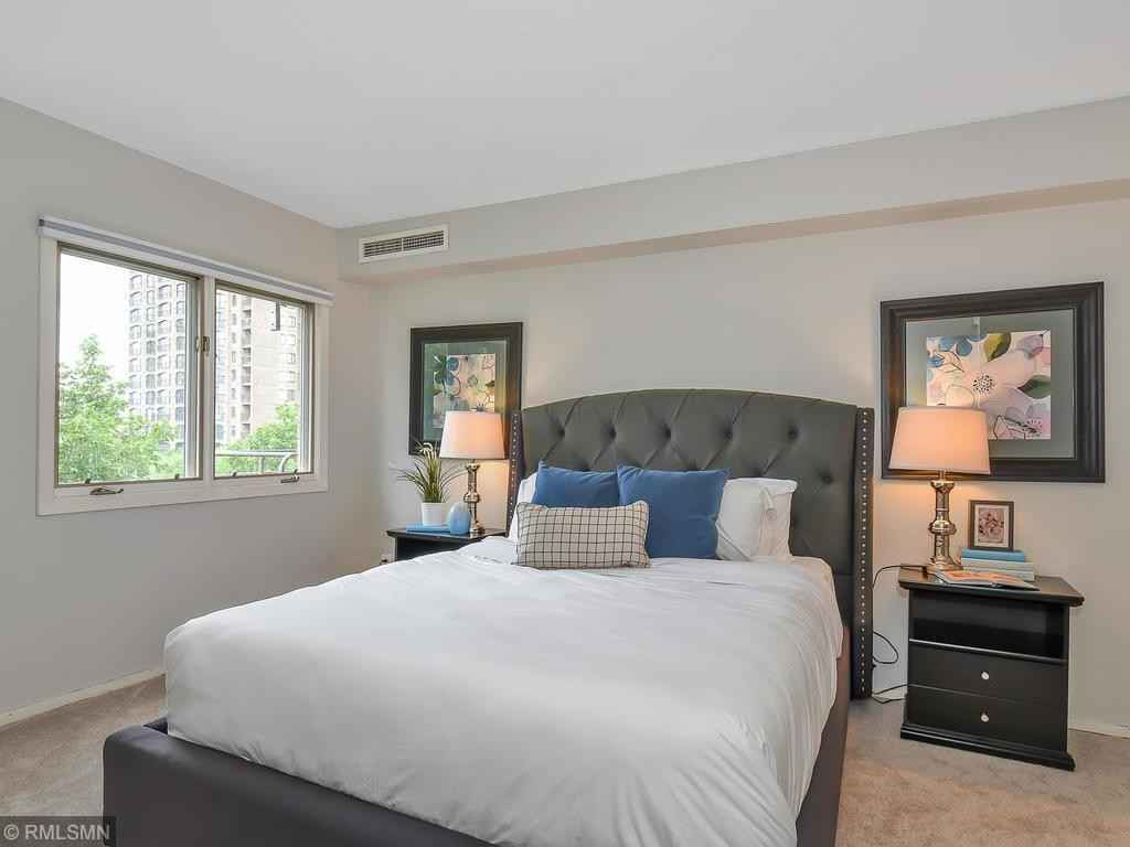 View 19 photos of this 1 bed, 1 bath, and 811 sqft. condo home located at 210 W Grant St Apt 724, Minneapolis, Minnesota 55403 is Active for $170,000.