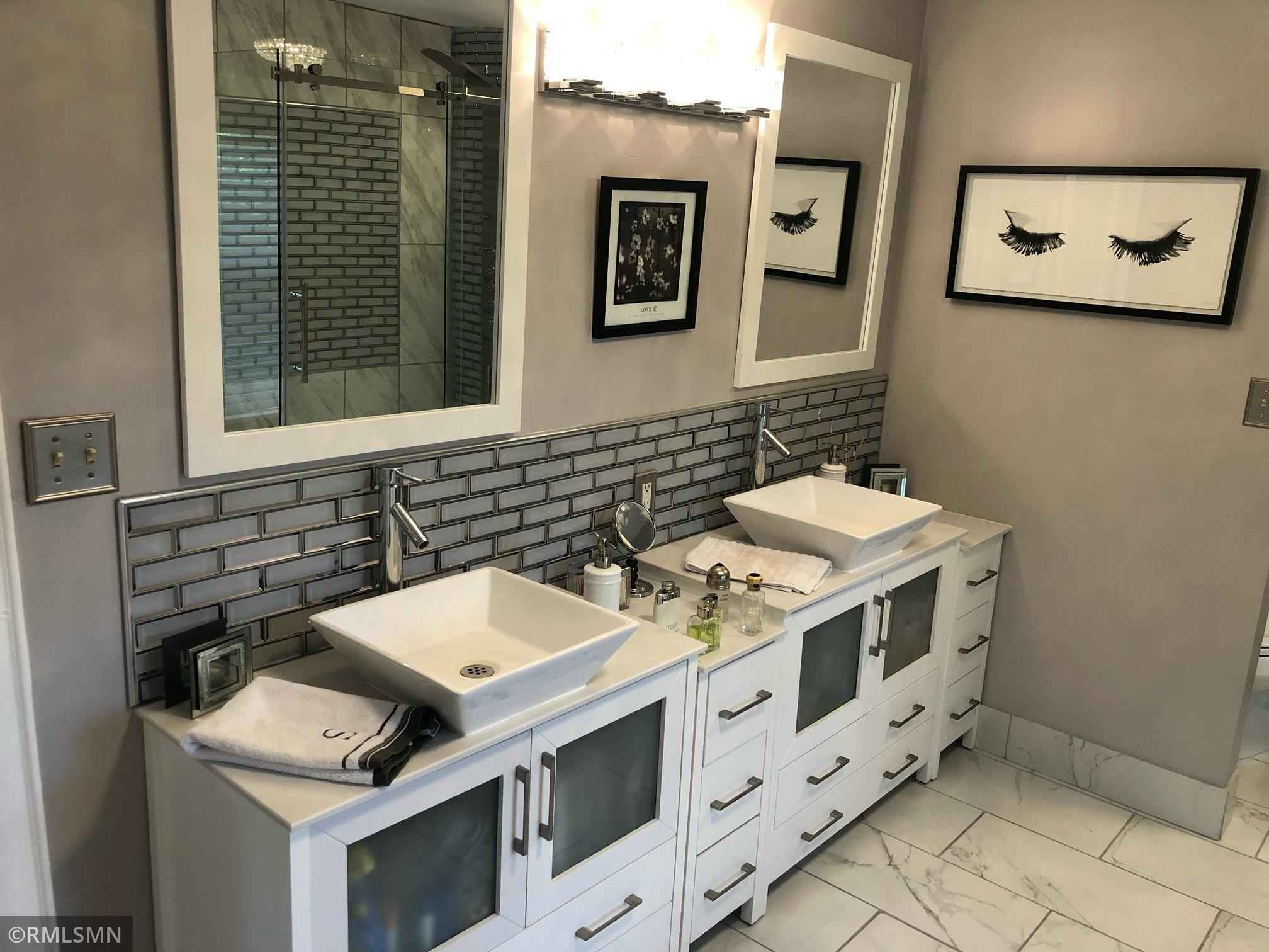 View 18 photos of this 3 bed, 2 bath, and 2,680 sqft. single_family home located at 1701 W Medicine Lake Dr, Plymouth, Minnesota 55441 is Active for $699,900.