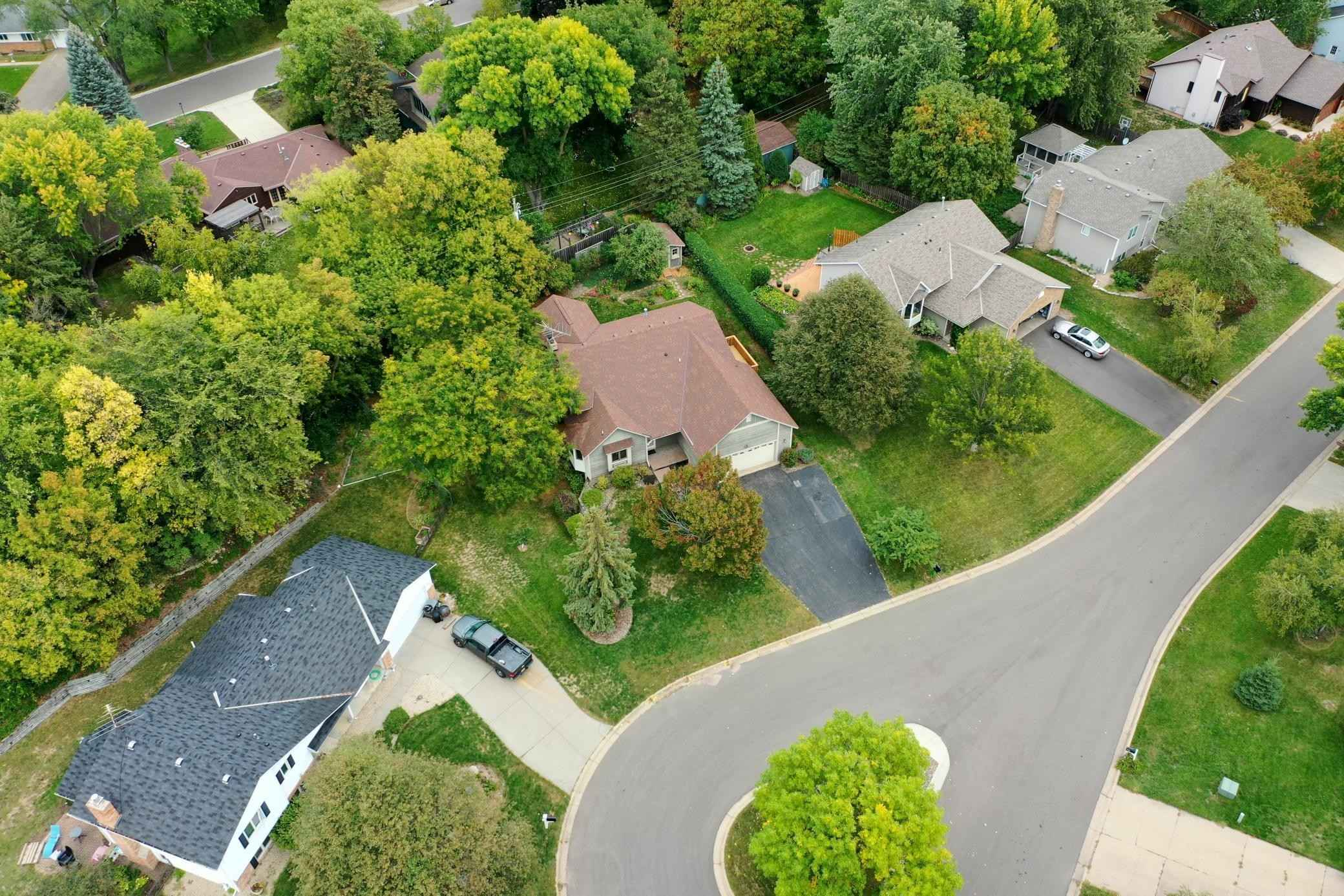 View 40 photos of this 4 bed, 3 bath, and 2,377 sqft. single_family home located at 2208 Horizon Pl, Burnsville, Minnesota 55337 is Pending for $339,900.