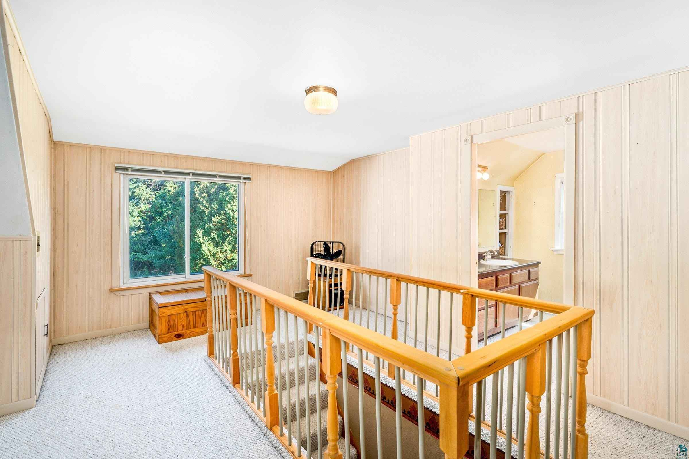 View 28 photos of this 3 bed, 3 bath, and 1,784 sqft. single_family home located at 231 W Kent Rd, Duluth, Minnesota 55812 is PENDING for $257,500.