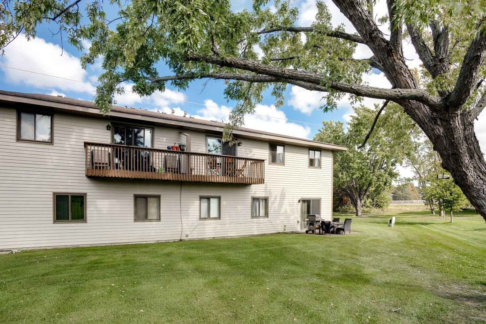 View 26 photos of this 2 bed, 1 bath, and 1,080 sqft. condo home located at 11109 Edgewood Cir N, Champlin, Minnesota 55316 is Active for $190,000.