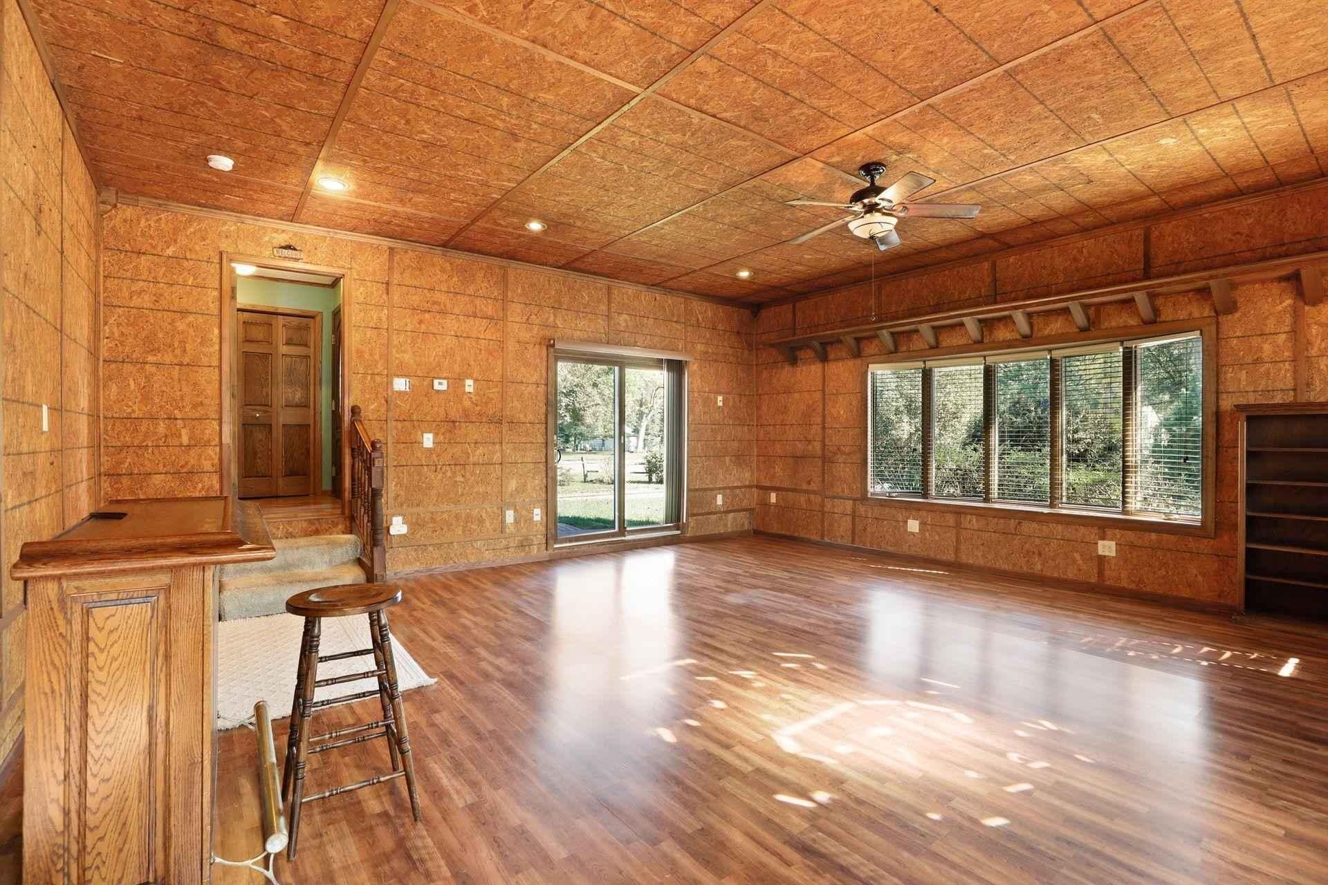 View 35 photos of this 3 bed, 2 bath, and 2,444 sqft. single_family home located at 7317 Girard Ave N, Brooklyn Park, Minnesota 55444 is Pending for $249,900.