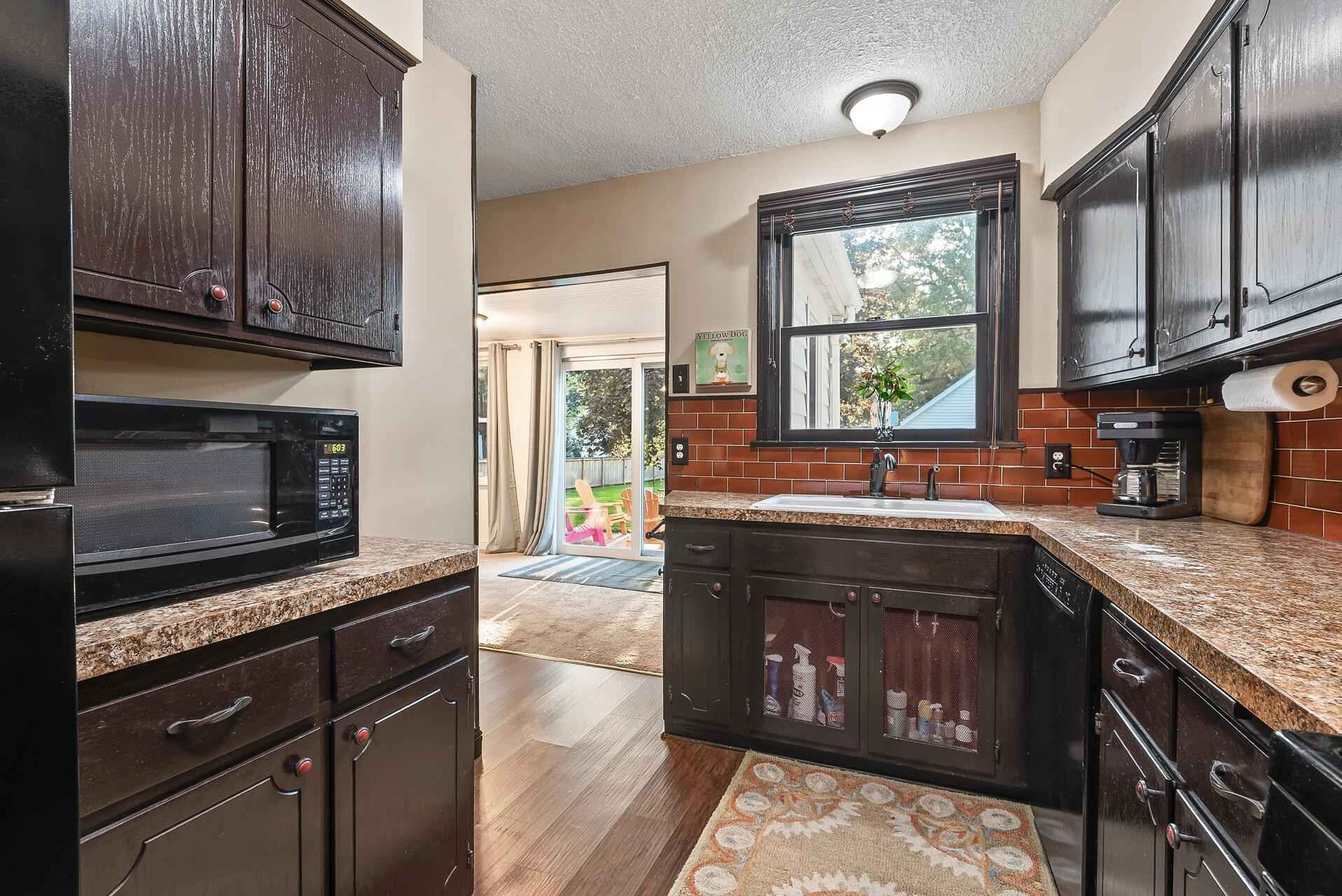 View 35 photos of this 2 bed, 2 bath, and 2,324 sqft. single_family home located at 4001 Shoreline Dr, Robbinsdale, Minnesota 55422 is Active for $375,000.