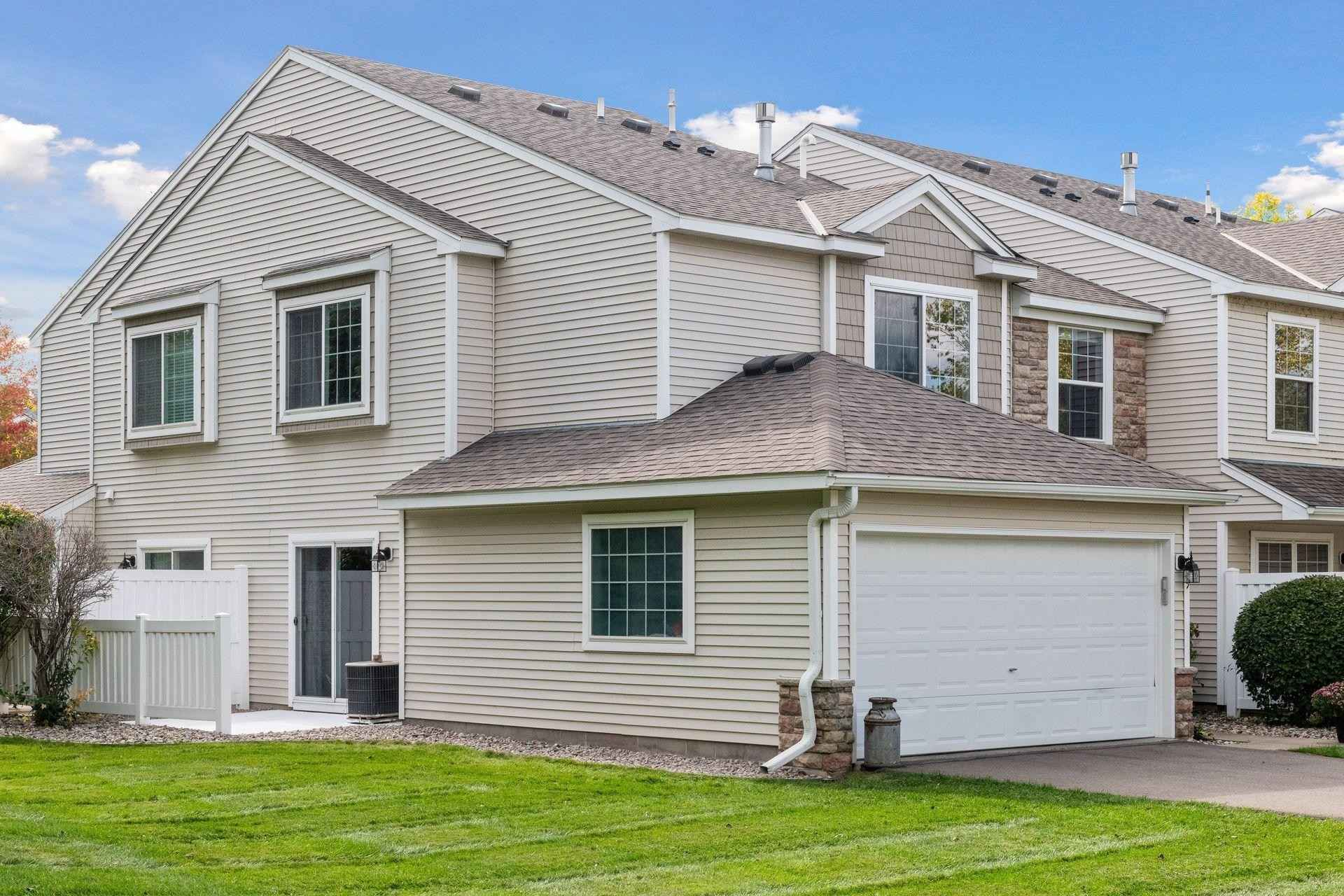 View 41 photos of this 2 bed, 2 bath, and 1,260 sqft. condo home located at 409 Wilderness Dr, Chaska, Minnesota 55318 is Pending for $260,000.