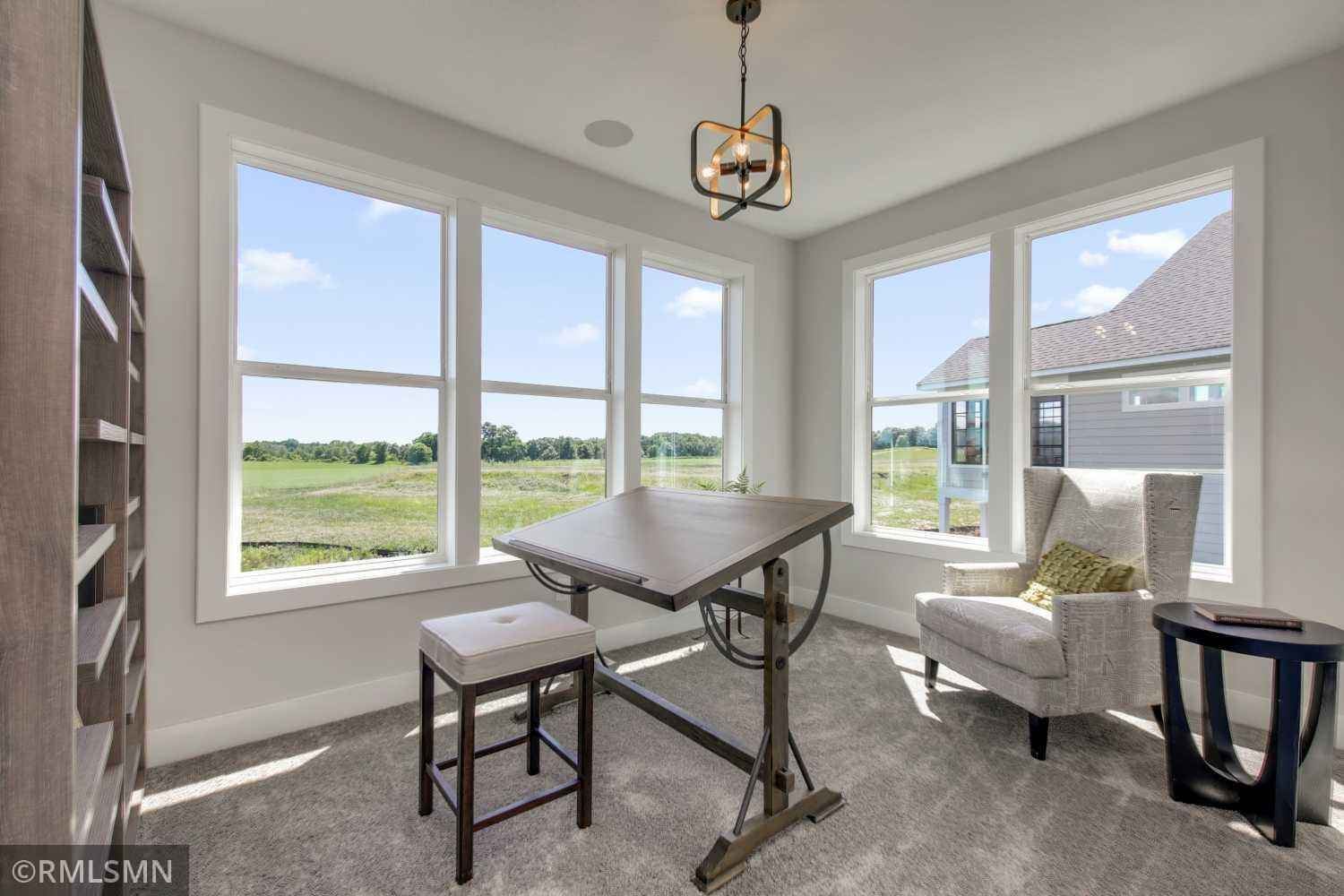 View 42 photos of this 4 bed, 4 bath, and 3,786 sqft. single_family home located at 10184 Arrowwood Path, Woodbury, Minnesota 55129 is Active for $729,900.