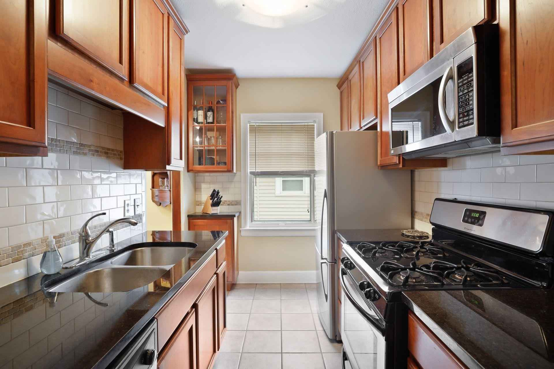 View 60 photos of this 2 bed, 1 bath, and 946 sqft. condo home located at 3345 Colfax Ave S Apt 202, Minneapolis, Minnesota 55408 is Active for $250,000.