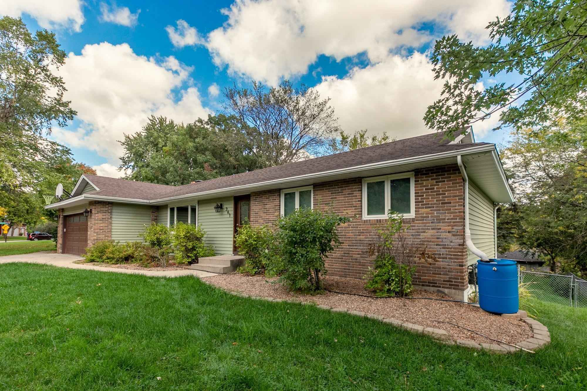 View 40 photos of this 3 bed, 2 bath, and 1,934 sqft. single_family home located at 361 Walnut Ln, Apple Valley, Minnesota 55124 is Active for $393,300.