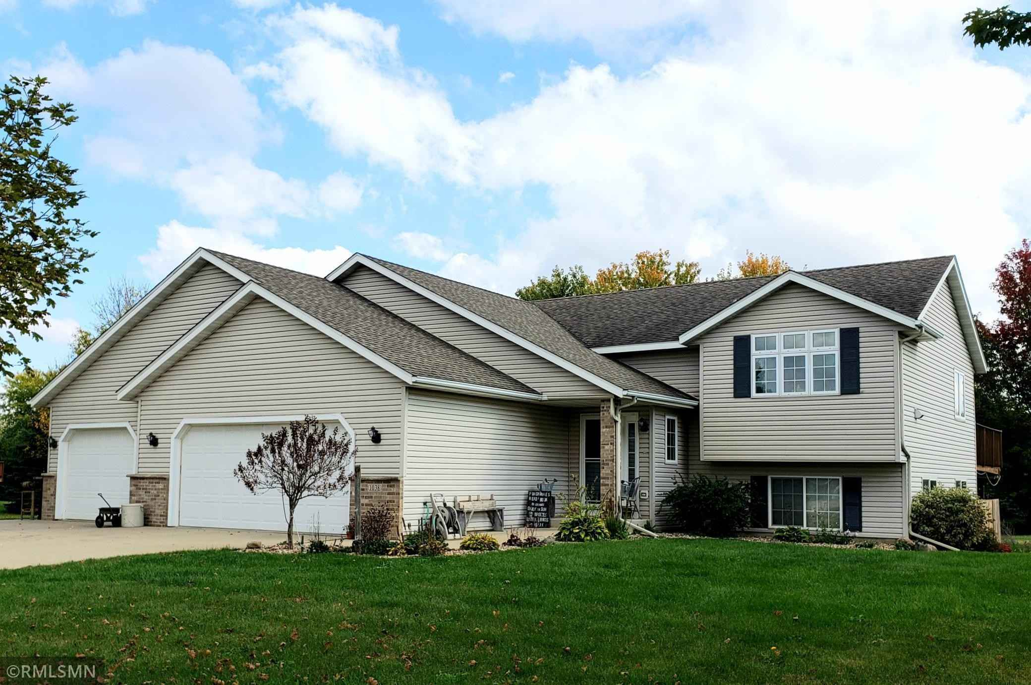 View 1 photos of this 5 bed, 3 bath, and 2,800 sqft. single_family home located at 1038 Lone Oak Ln SW, Oronoco, Minnesota 55960 is Active for $437,850.
