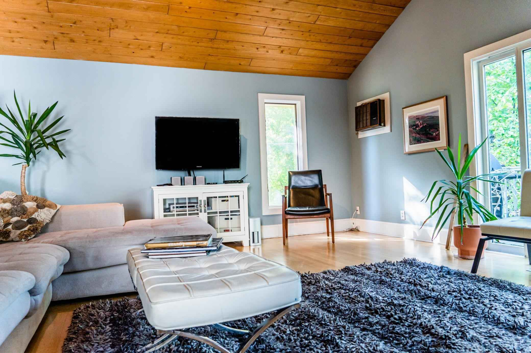 View 27 photos of this 3 bed, 2 bath, and 2,207 sqft. single_family home located at 2401 Chilcombe Ave, Saint Paul, Minnesota 55108 is Active for $450,000.
