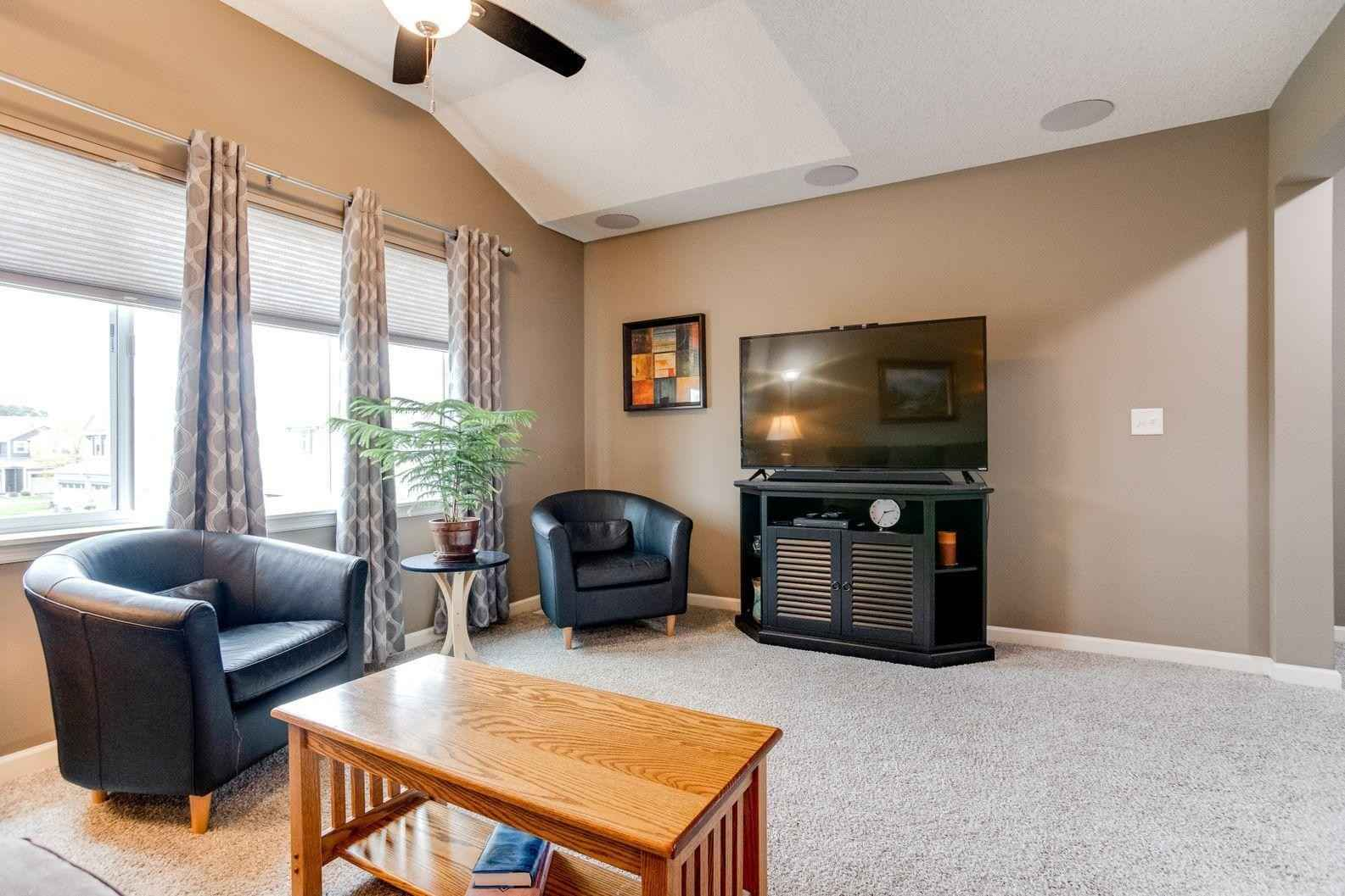 View 27 photos of this 3 bed, 3 bath, and 1,919 sqft. condo home located at 3422 126th Ave NE Unit A, Blaine, Minnesota 55449 is Pending for $325,000.