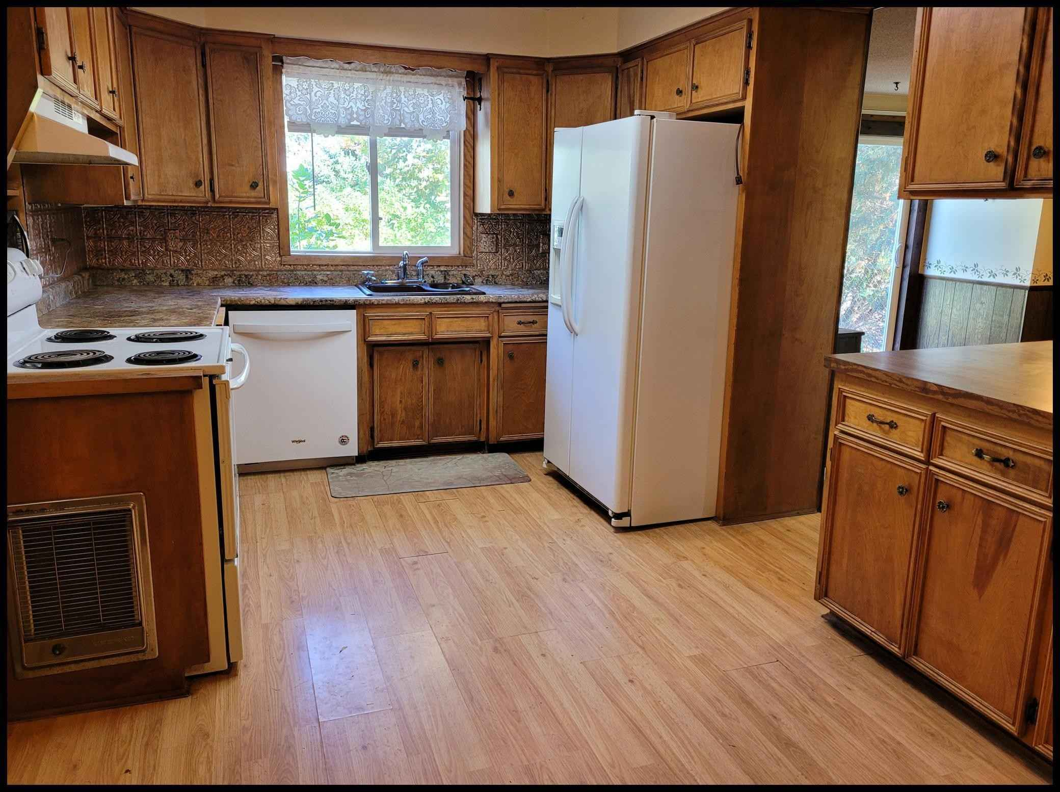 View 17 photos of this 2 bed, 2 bath, and 1,767 sqft. single_family home located at 410 Atlantic Ave W, Grove City, Minnesota 56243 is Active for $80,000.