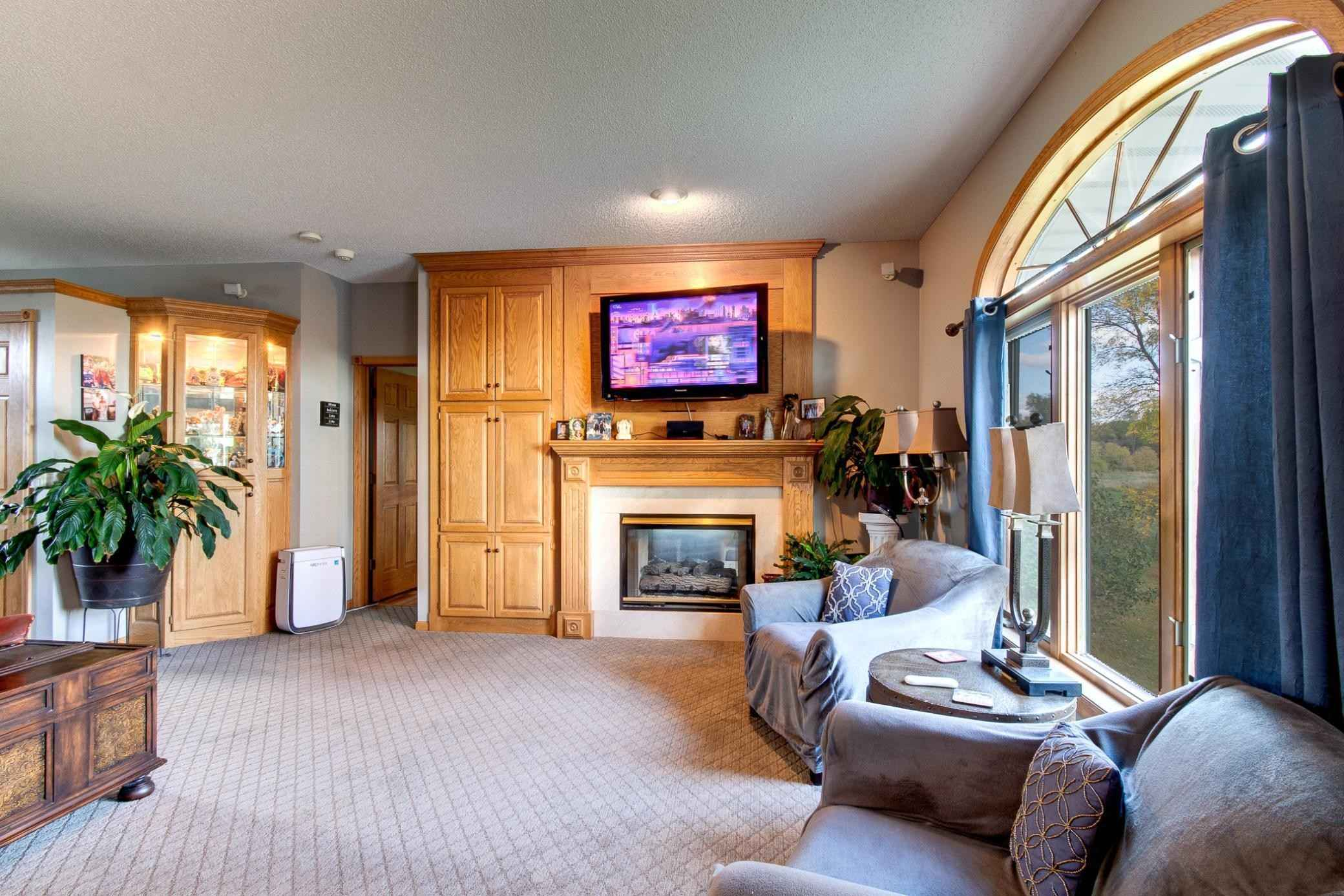 View 46 photos of this 4 bed, 4 bath, and 3,410 sqft. single_family home located at 16345 Everton Ave N, Hugo, Minnesota 55038 is Active for $1,695,000.