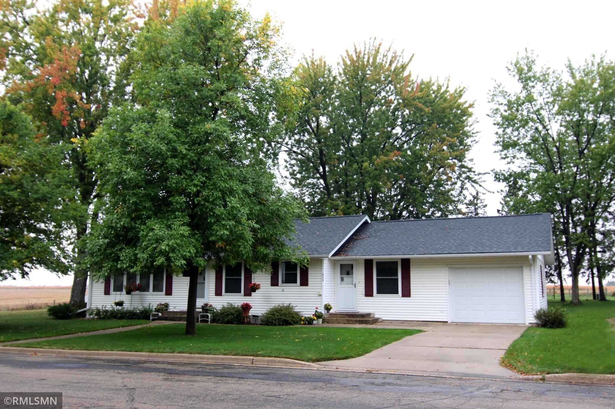 View 31 photos of this 4 bed, 2 bath, and 2,220 sqft. single_family home located at 439 Western Ave S, Brooten, Minnesota 56316 is Active for $239,900.