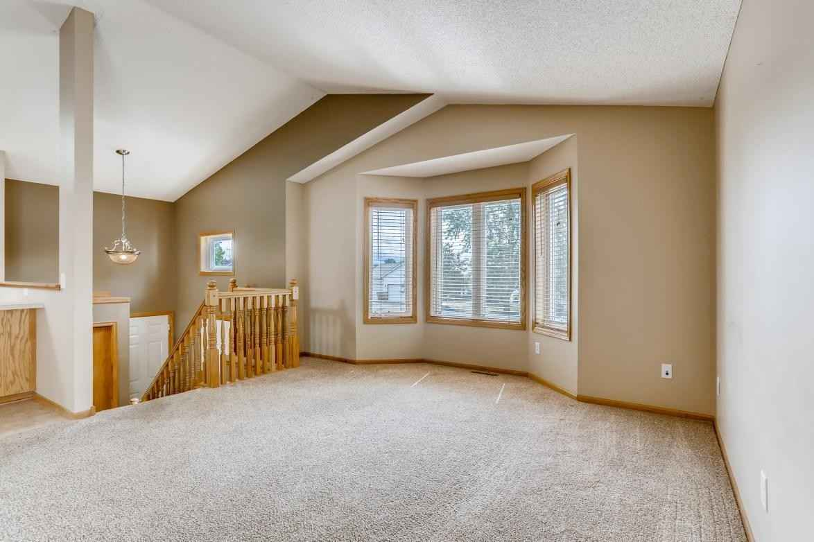 View 30 photos of this 4 bed, 2 bath, and 1,744 sqft. single_family home located at 609 Vendell St, Buffalo, Minnesota 55313 is Active for $285,000.