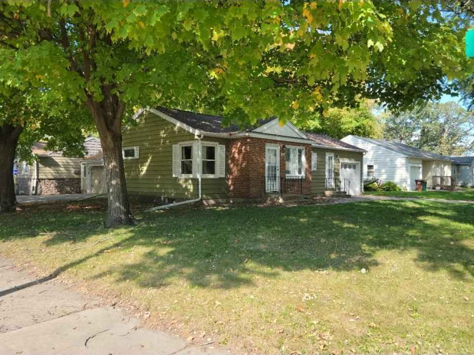 View 25 photos of this 2 bed, 1 bath, and 1,278 sqft. single_family home located at 1101 Amelia Ave, Albert Lea, Minnesota 56007 is Pending for $104,900.