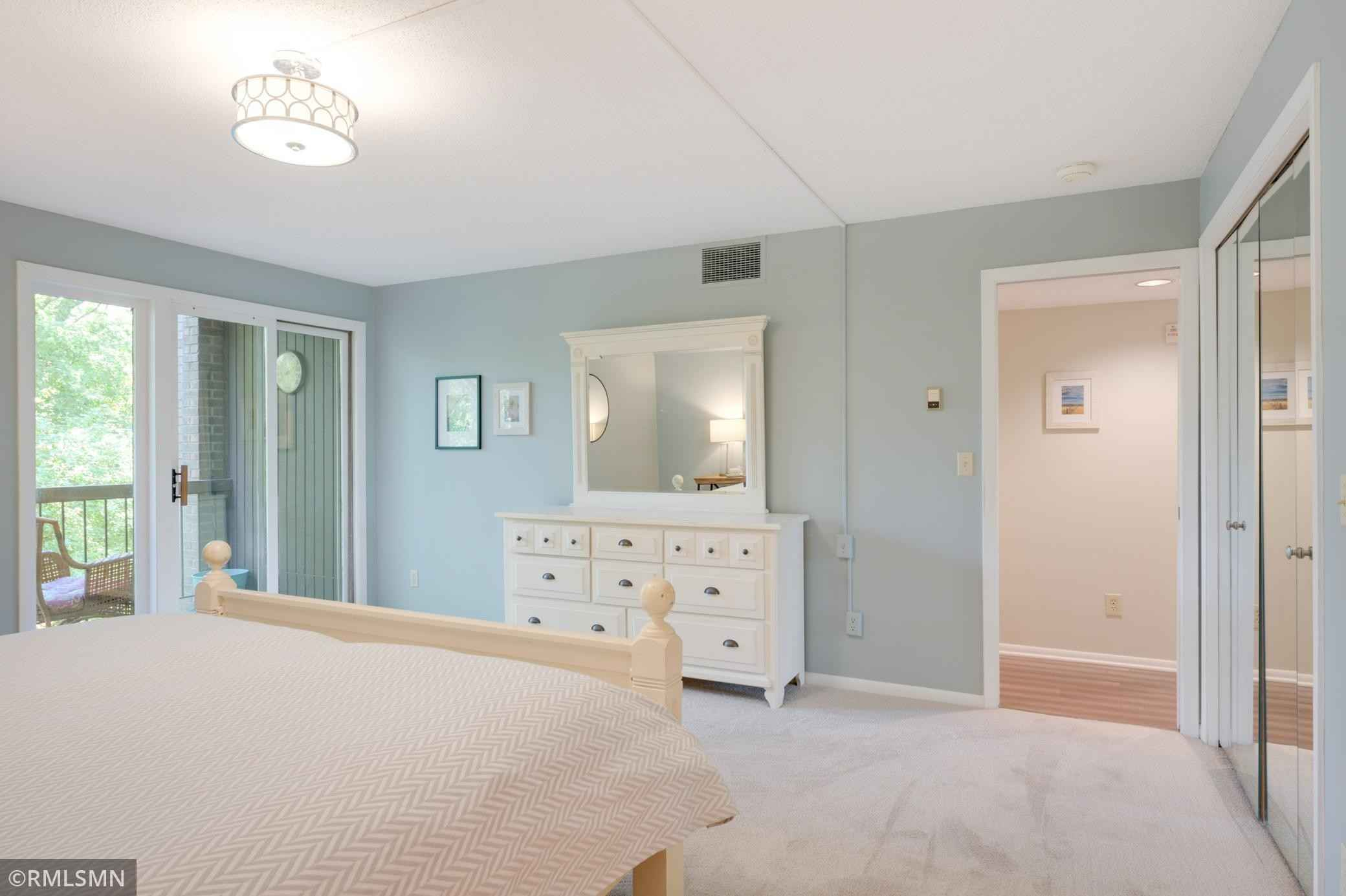 View 29 photos of this 2 bed, 2 bath, and 2,000 sqft. condo_townhome_rowhome_coop home located at 6115 Lincoln Dr Apt 247, Edina, Minnesota 55436 is _0 for $.