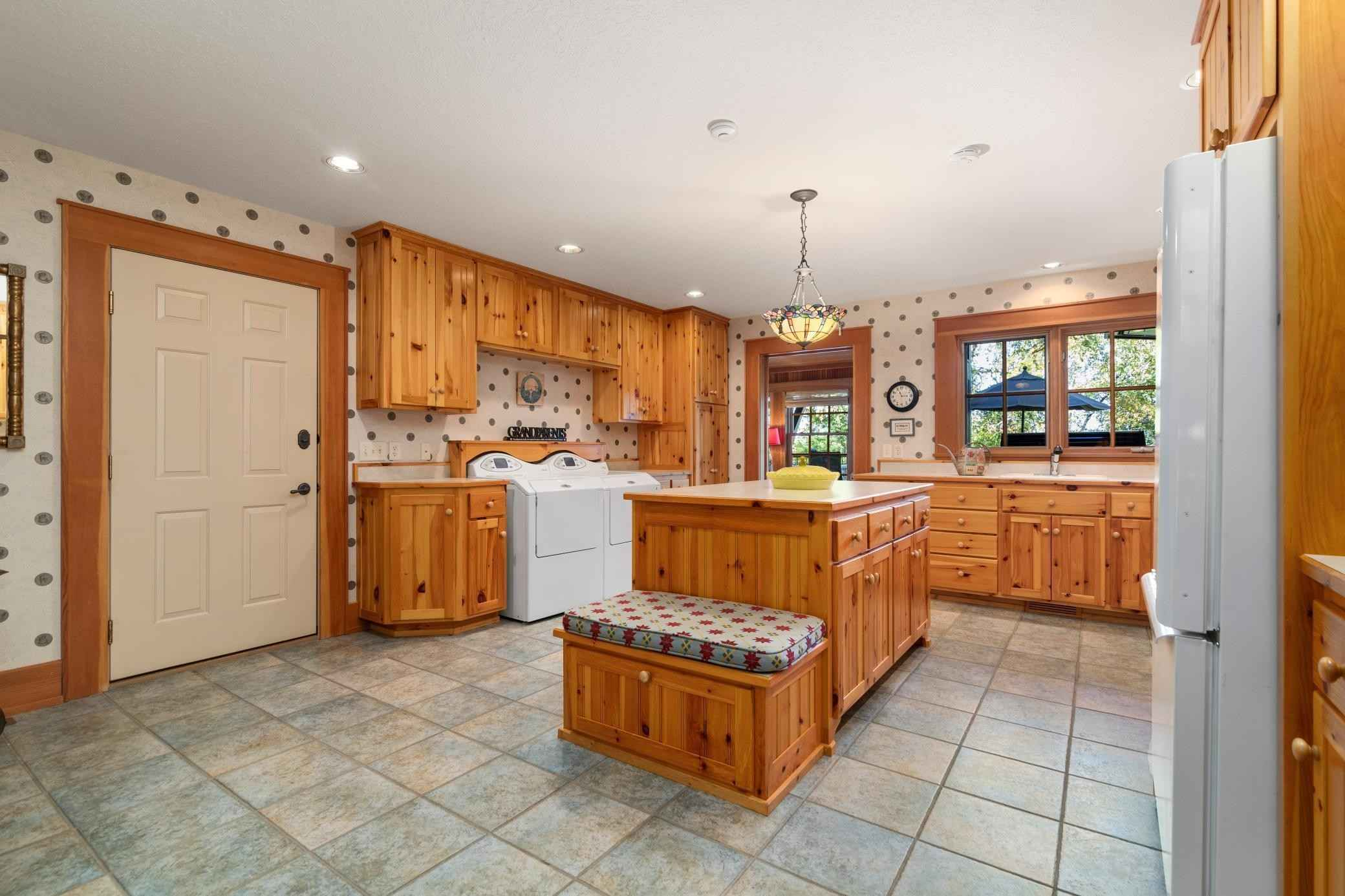 View 99 photos of this 5 bed, 7 bath, and 11,126 sqft. single_family home located at 32485 Timberlane Pt, Breezy Point, Minnesota 56472 is Pending for $2,450,000.