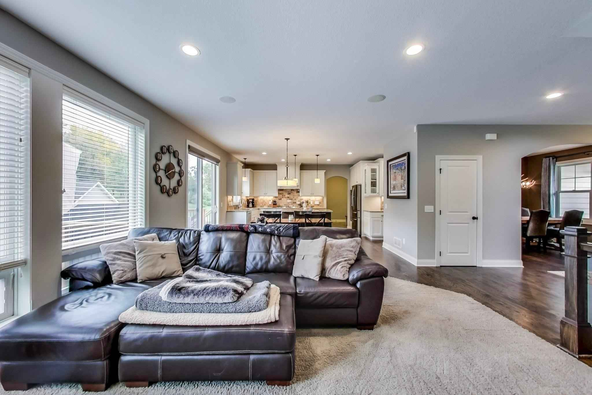 View 84 photos of this 5 bed, 5 bath, and 3,772 sqft. single_family home located at 3944 Paradise Ave N, Stillwater, Minnesota 55082 is Active for $749,900.