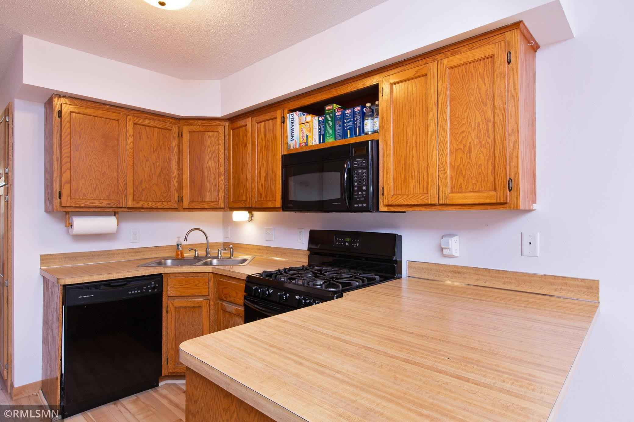 View 34 photos of this 2 bed, 2 bath, and 1,112 sqft. condo home located at 3275 Arcade St S, Saint Paul, Minnesota 55127 is Active for $179,900.
