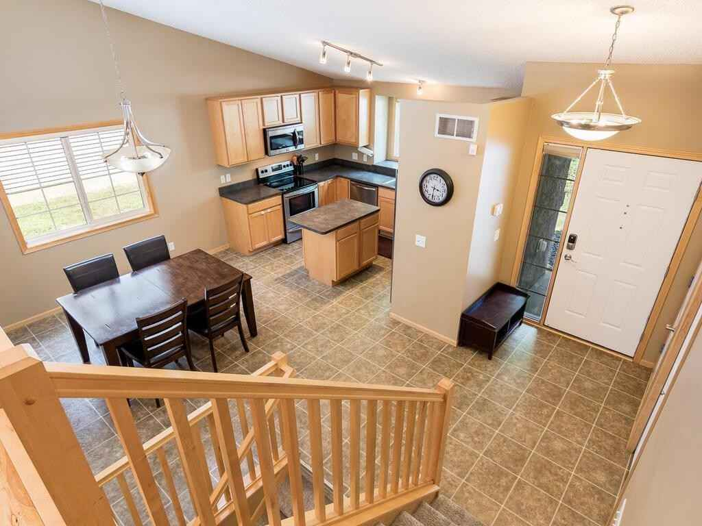 View 19 photos of this 3 bed, 2 bath, and 2,225 sqft. single_family home located at 21233 Independence Ave, Lakeville, Minnesota 55044 is Pending for $359,900.