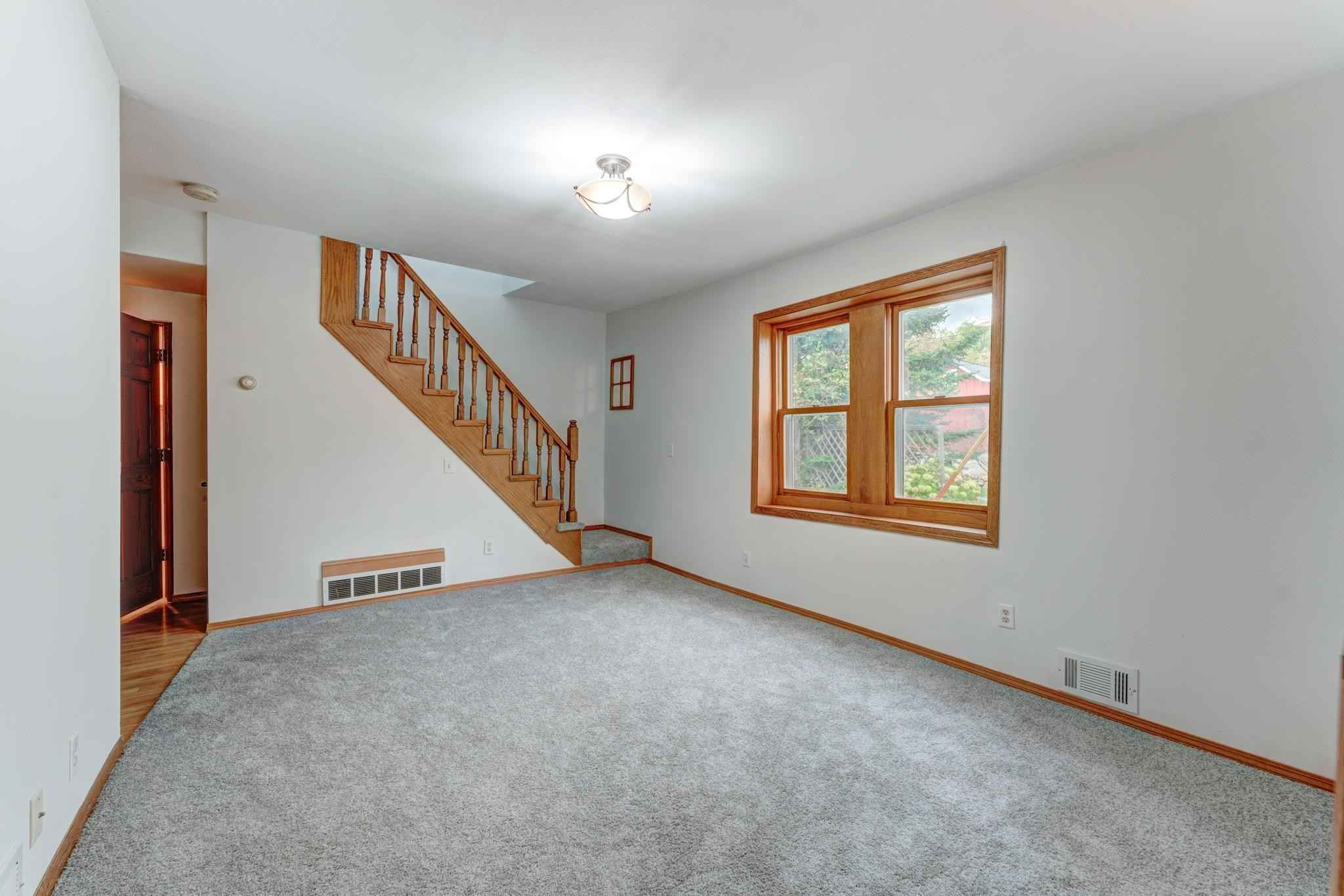 View 19 photos of this 2 bed, 2 bath, and 1,303 sqft. single_family home located at 408 Broadway St N, Carver, Minnesota 55315 is Active for $200,000.