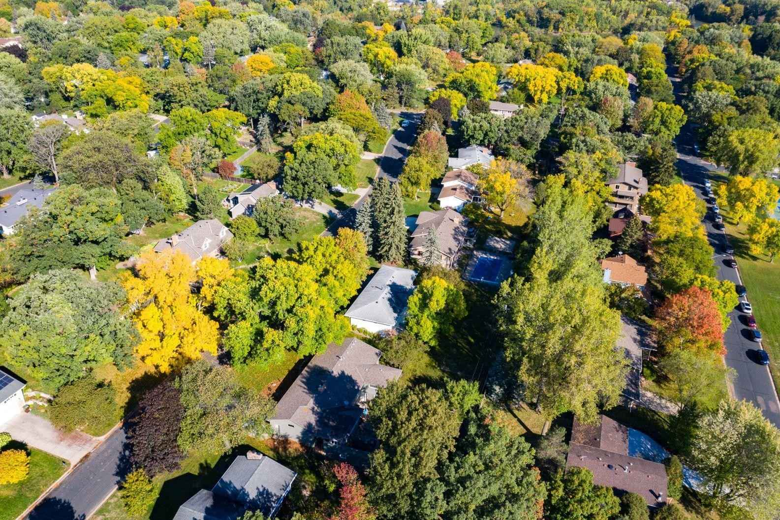 View 37 photos of this 4 bed, 3 bath, and 2,332 sqft. single_family home located at 1710 Quebec Ave N, Golden Valley, Minnesota 55427 is Active for $385,000.